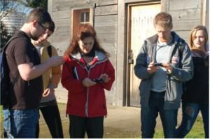 Dene Grigar preparing students in her Digital Storytelling class for working on FVM