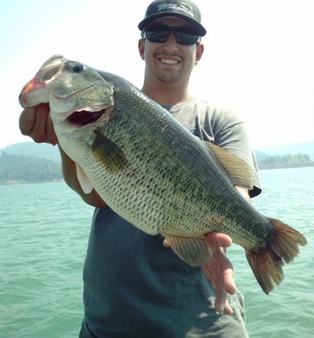 Five hottest fishing holes in the pacific northwest for Bass fishing oregon
